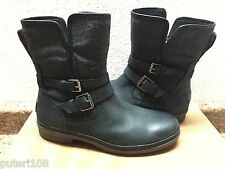 UGG SIMMENS BLACK WATER AND SNOW RESISTANT ANKLE BOOTS US 11 / EU 42 / UK 9.5
