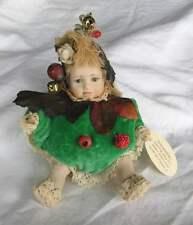 Magnifique poupée de prestige en porcelaine Italienne .