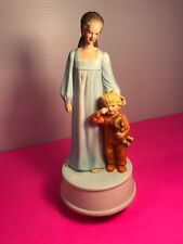 Mann 1981 Porcelain Figurine Mother & Child Music Box Adorable