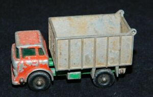 Vintage   Lesney Matchbox No. 26 C Made in England  GMC Tipper Truck