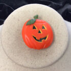 Vintage Halloween Holiday Costume Plastic Pumpkin Pin II293
