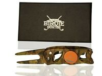 """The Birdie Hunter"" Camouflage Golf Divot Repair Tool and Ball Marker, Mossy Oak"