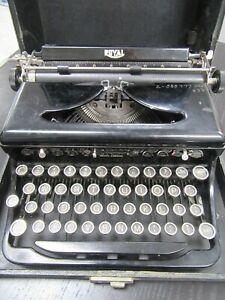 Vintage 1937 Royal Portable Touch Control Model O Typewriter w/Case