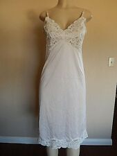 Vanity Fair SEXY Pale Pink NYLON LACY FULL SLIP Size 34 GREAT FIND!!! Lingerie