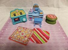 Lot of 7: Plastic Vintage Dollhouse furniture, stove, dressing table more