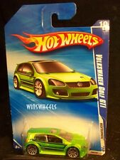 HOT WHEELS 2010 #98 -1 VOLKSWAGEN GOLF GTI GREN AMER CA