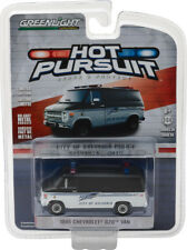 1:64 Hot Pursuit Series 24 1985 Chevy G20 Van Greenlight