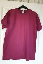 Great Condition Fruit Of The Loom Burgundy T Shirt Size Medium