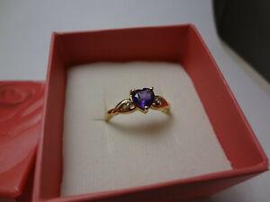 10K SOLID GOLD - HEART CUT AMETHYST & DIAMOND RING - 1.55 GRAMS - SIZE 7.25