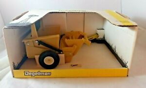 DEGELMAN R570S Toy Rock Picker 1/16 Tractor Implement Scale Models 1st Edition