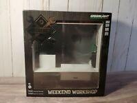 Greenlight Weekend Workshop Mechanics Garage 1:64 Scale Diecast Car Diorama