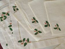 Christmas Holly Berry 8 Pc Placemat & Napkin Set Fabric Embroidered Holiday
