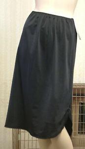 Kayser KB502 Waist Slip 26ins Length With Lace Trim Split Side In Black & Skin
