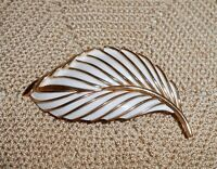 Vintage TRIFARI Signed White Enamel Leaf Brooch Pin Gold Tone A300