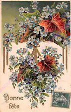 CPA GAUFREE EMBOSSED Bonne fête bouquet fleurs bleues feuilles lierre ca1908