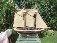 Joli voilier ancien coque en bois de voilier deco bateau marine