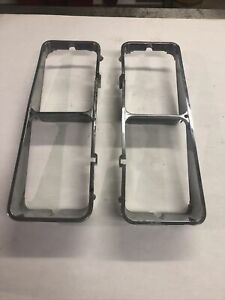 79-82 FORD MUSTANG RIGHT AND LEFT HEADLIGHT TRIM SURROUND BEZEL SUPER NICE