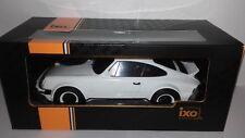 Ixo schaal 1:18 Porsche 911 Race Version 1982 wit nieuw in doos