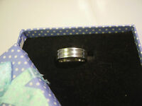 SOLID SILVER-HEAVY PLAIN STRIPED BAND RING-SIGNED ARGENTIUM 958 PURITY-SIZE-O