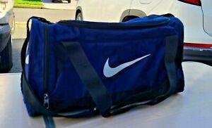 Nike Womens Gym 100% Polyester Lightweight Blue Duffel Travel Bag w large pocket