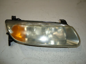 2002 SATURN LW300 STATION WAGON RH RIGHT PASSENGER SIDE HEADLIGHT