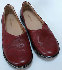 Women's Red Hush Puppies Leather Shoes Flats Size 6W Scroll Floral Design