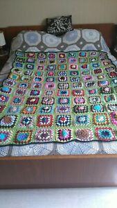 P plaid vintage au crochet en laine fait mains (1,50 m sur 1,30 m )