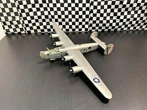 """Corgi B-24J Liberator -64th BS, 43rd BG- """"The Dragon And His Tail"""" 1945-1:72 Bxd"""