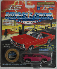 Johnny Lightning -'72/1972 Chevy Nova SS frambuesa nuevo/en el embalaje original