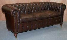 STUNNING VINTAGE BROWN MAHOGANY 3 SEATER LEATHER CHESTERFIELD SOFA