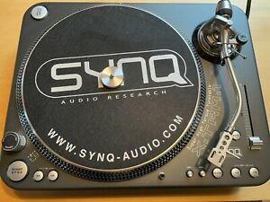 SYNQ XTRM-1 Turntable mit Reloop Concorde Black / Plattenspieler