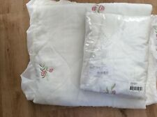 Single  quilted bed throw and  2 pillowcases.NEW