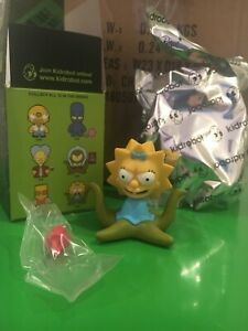 Kidrobot x Simpsons Treehouse Of Horror - Maggie Alien - 2/20 Vinyl Figure NEW
