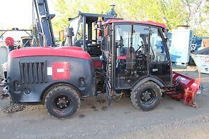 2008 Maclean MV2 4x4 Articulated Municipal Tractor Plow Diesel Cab Heat A/C Cat