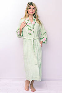 Chenille Robe with Vine Floral Embroidered On Neck Bathrobe Gowns Vintage