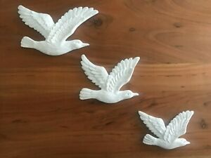 Set Of 3 Flying Wall Birds Hanging Retro Vintage Style Ornament Swallow White