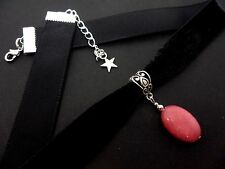 A LADIES GIRLS BLACK  VELVET OVAL PINK JADE STONE  CHOKER NECKLACE. NEW.