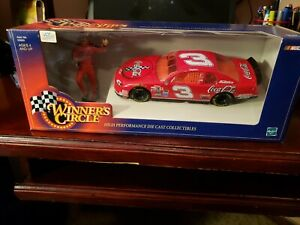 NASCAR Winner's Circle Dale Earnhardt Die Cast 1:24 Scale Car & figure