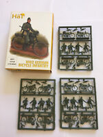 HaT 8277 WW2 GERMAN BICYCLE INFANTRY x 12 1/72 Scale Plastic Toy Soldier Kit