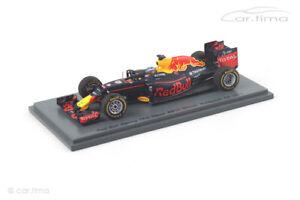 Red Bull Racing RB12 Winner GP Malaysia Daniel Ricciardo Spark 1:43 S5023
