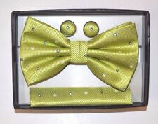 CLASSIC GREEN DOTS MEN'S BOW TIE CUFF LINKS HANKY SET POLYESTER MSRP $27.00