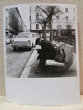 ancienne photo originale amateur lyon croix rousse 69 homme sur un banc