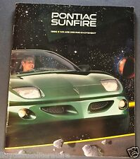 1996 Pontiac Sunfire Catalog Sales Brochure SE GT Excellent Original 96