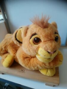 Peluche doudou range pyjama Simba le roi lion Disney 50 cm Jemini Disney