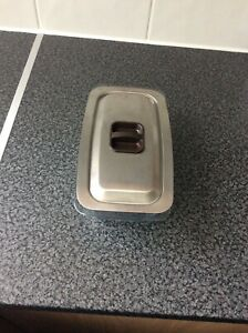 Hostess trolley dish with lid