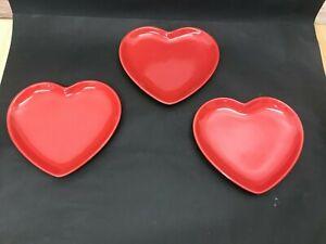 3 FLORA RED HEART SHAPE PLATES