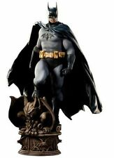 DC Sideshow Collectibles 1/4 Scale Batman Premium Format Figure