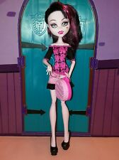 MONSTER HIGH poupée Draculaura ScarisCity of Frights, complète, en TBE + sac