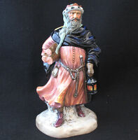 ROYAL DOULTON FIGURINE GOOD KING WENCESLAS HN 2118 MADE IN ENGLAND small chip