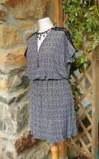 superbe robe féminine noir/blanc cassé manche haut dentelle noire 46/48